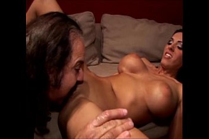 Образовательный ретро порно фильм - Как правильно лизать женские киски. Русский перевод